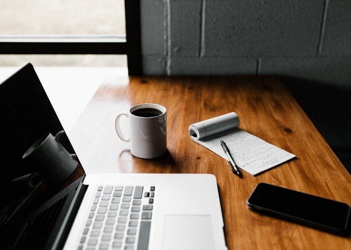 Work desk setup | Kymodo